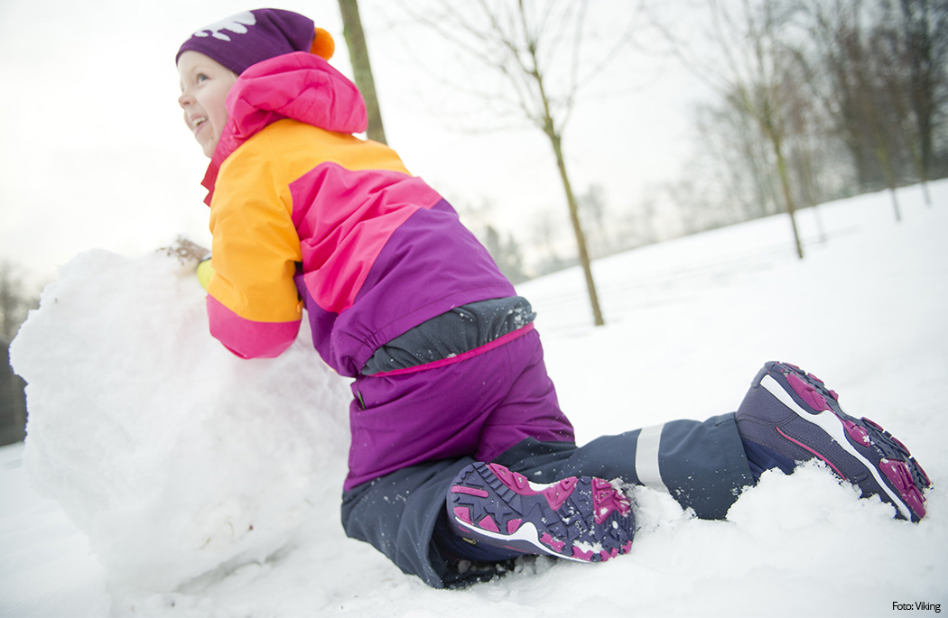 Når du skal velge høst- og vintersko til barna er det viktig å tenke på at skoen må være både vanntett, pustende og helst ha en kraftig såle.