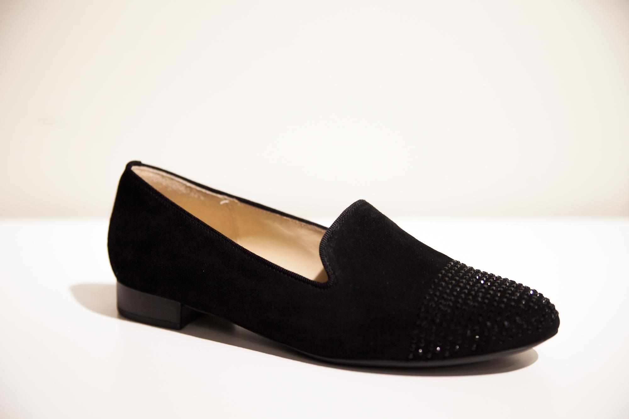sko-og-vesker-til-nyttarsfesten-lave-sko