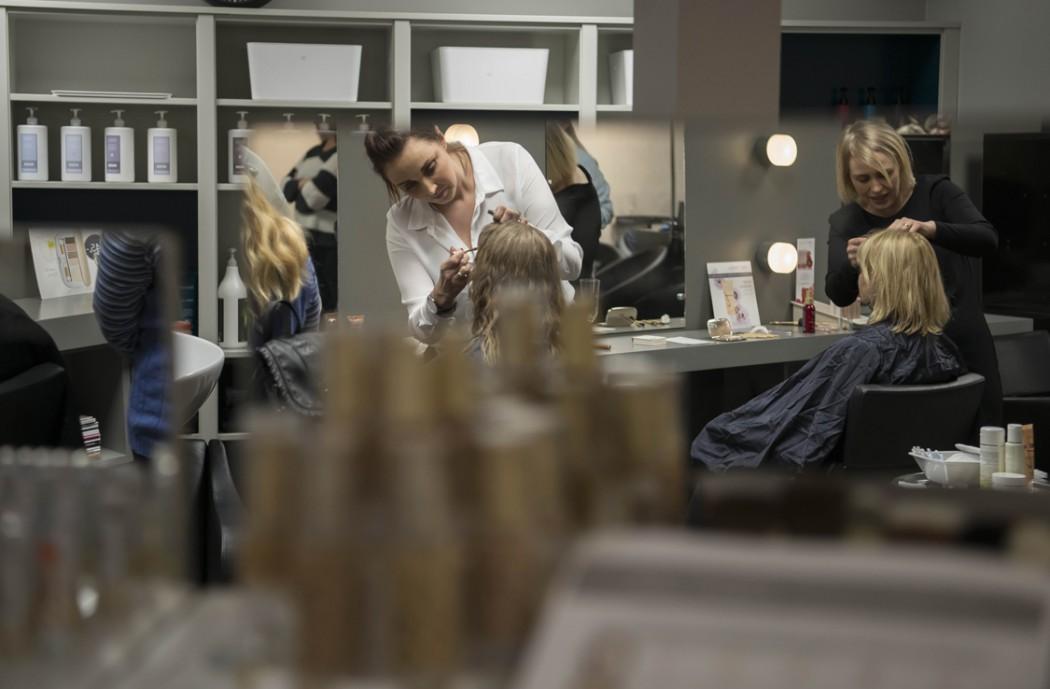 Bilde fra kundekveld hos Bøllen og Blondinen sammen med Grenland Synssenter