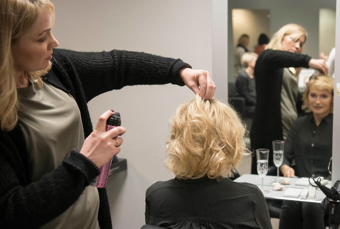Bilde av Bøllen & Blondinen ordner hår og sminke