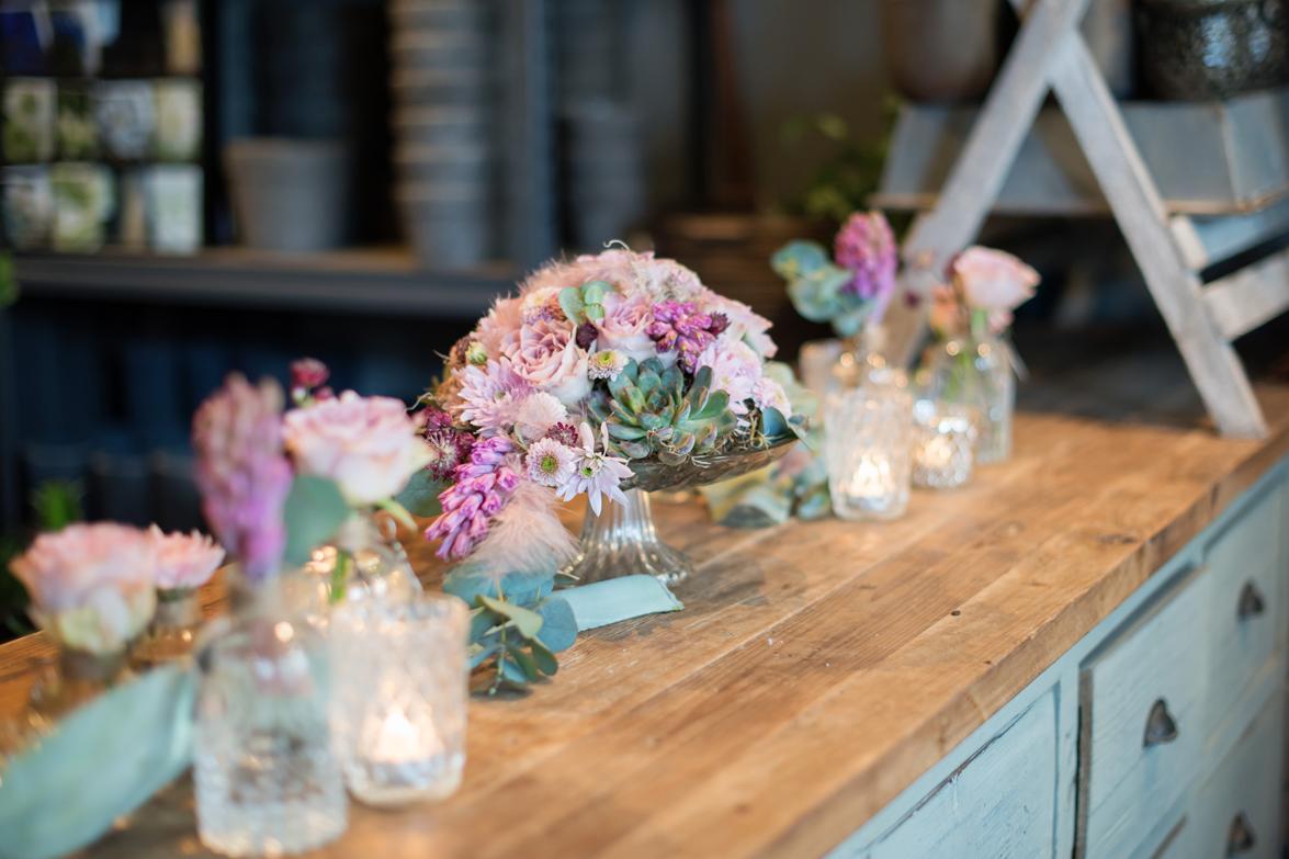 Blomster og lysestaker fra Interflora Gallefoss