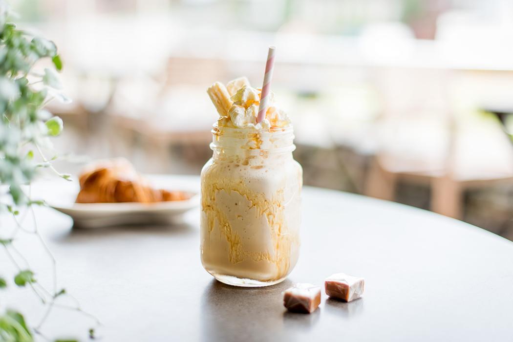 Vanilje Milkshake med karamell