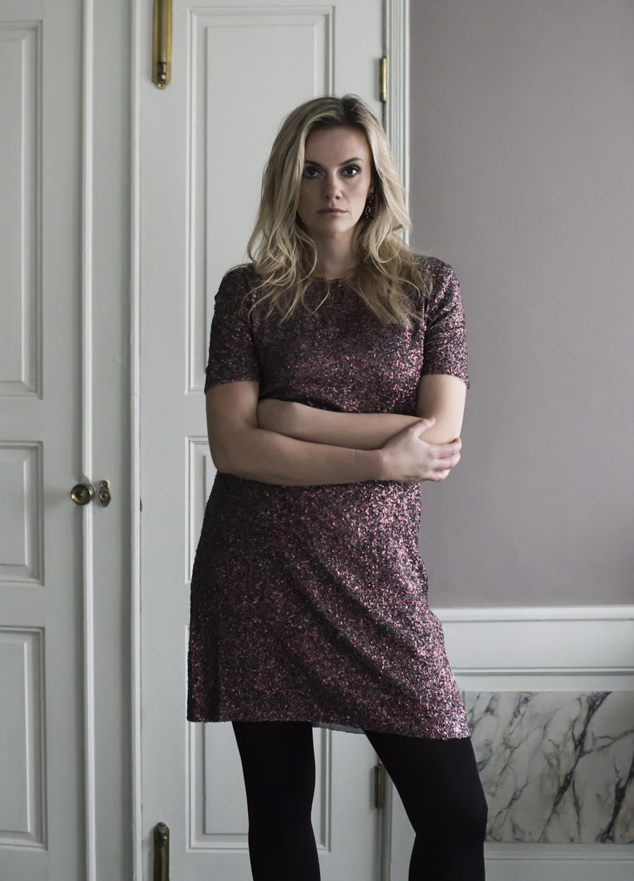 Dame med kjole, Kathrine Hammel 4500,- Prikken Over